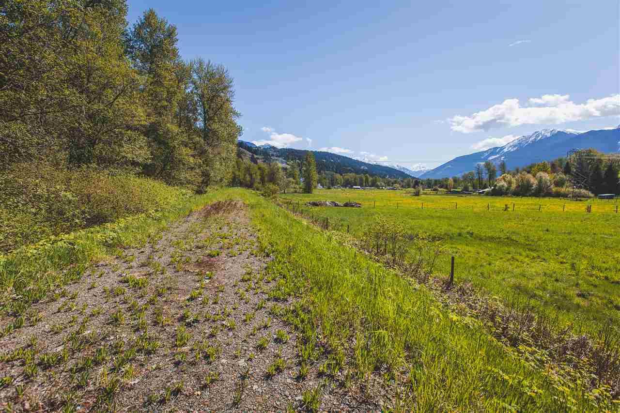 Detached at 1537 FRASER ROAD, Pemberton, British Columbia. Image 6
