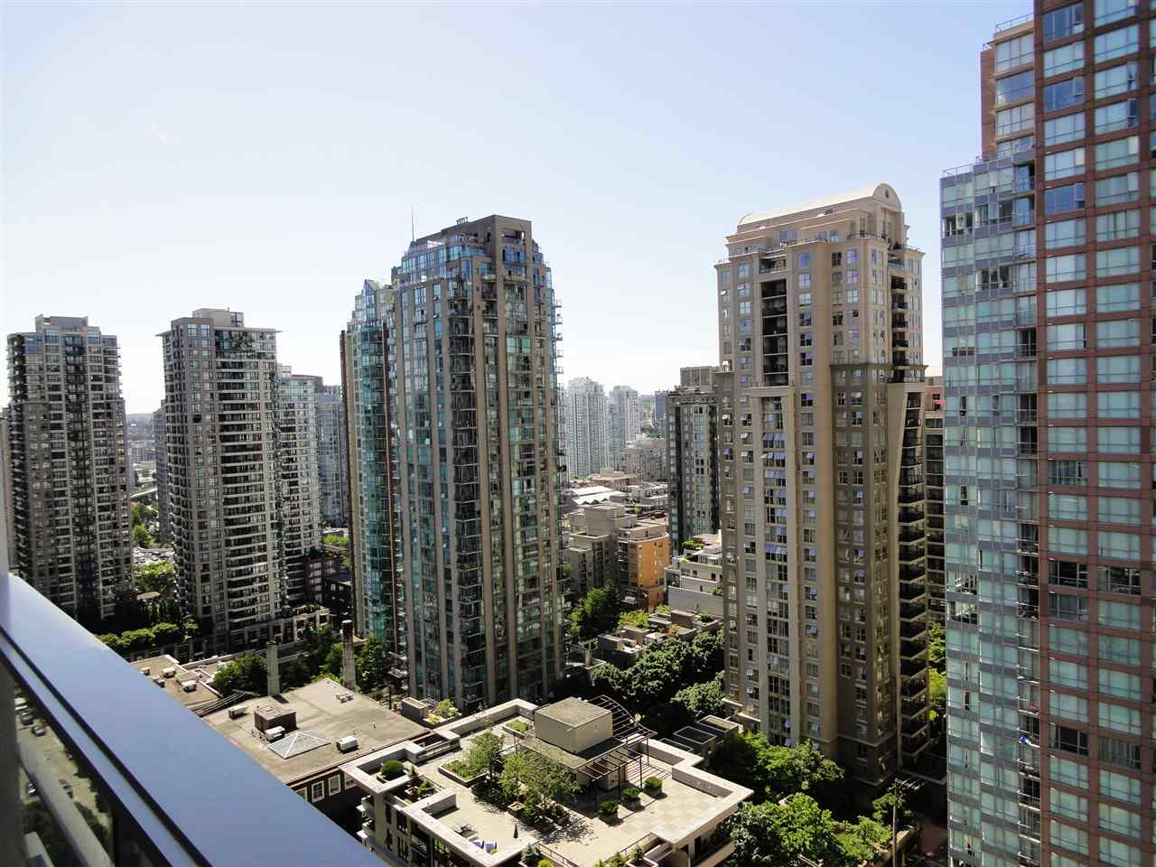 Condo Apartment at 2002 565 SMITHE STREET, Unit 2002, Vancouver West, British Columbia. Image 13