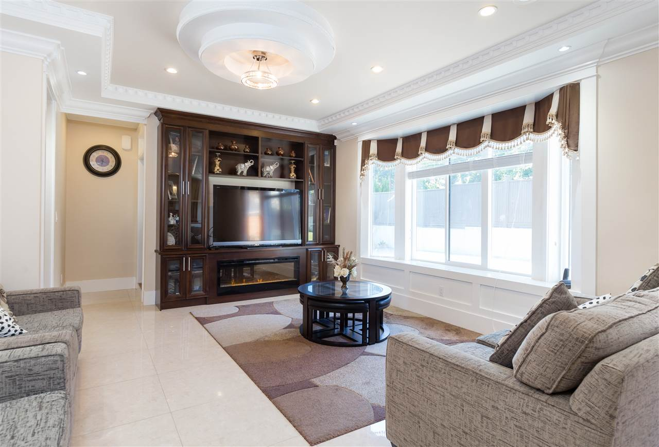 Detached at 4841 PORTLAND STREET, Burnaby South, British Columbia. Image 11