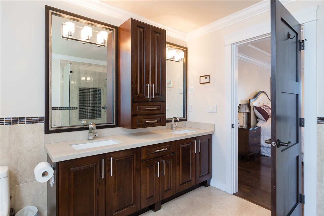 Detached at 4841 PORTLAND STREET, Burnaby South, British Columbia. Image 13