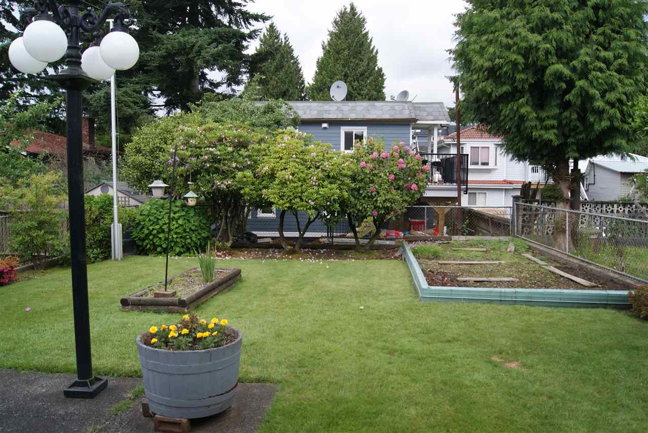 Detached at 4741 GOTHARD STREET, Vancouver East, British Columbia. Image 3
