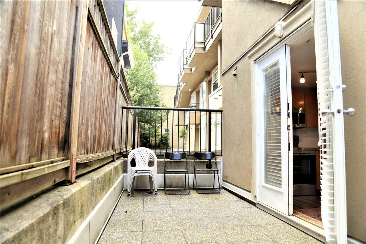 Condo Apartment at 2192 W 5TH AVENUE, Vancouver West, British Columbia. Image 12