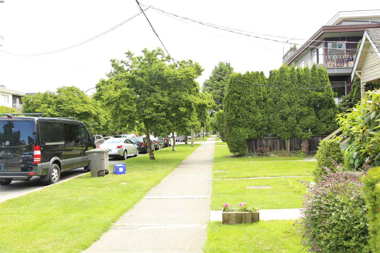 Condo Apartment at 2192 W 5TH AVENUE, Vancouver West, British Columbia. Image 13