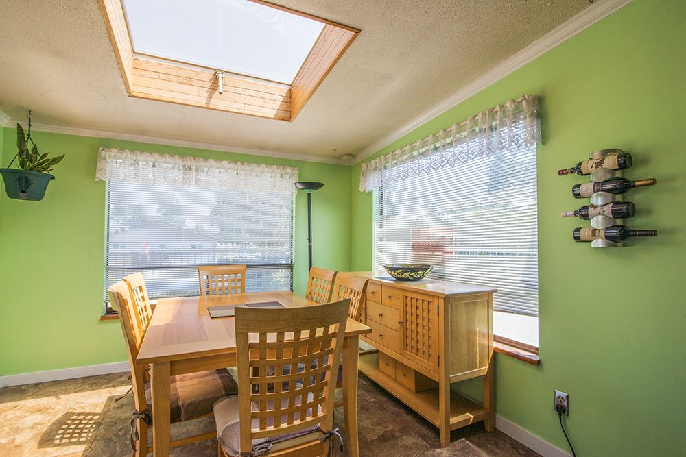 Detached at 6884 WALKER AVENUE, Burnaby South, British Columbia. Image 15