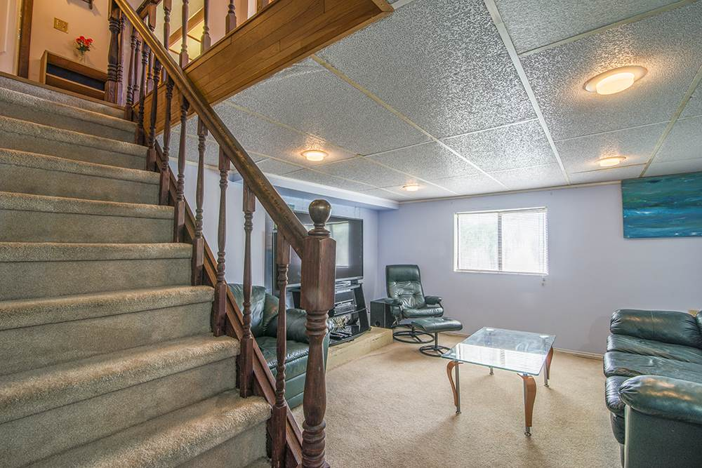 Detached at 6884 WALKER AVENUE, Burnaby South, British Columbia. Image 20