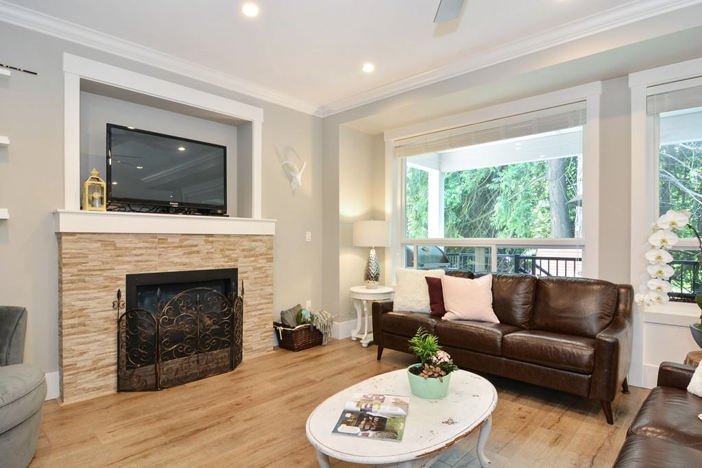 Detached at 24680 100A AVENUE, Maple Ridge, British Columbia. Image 3