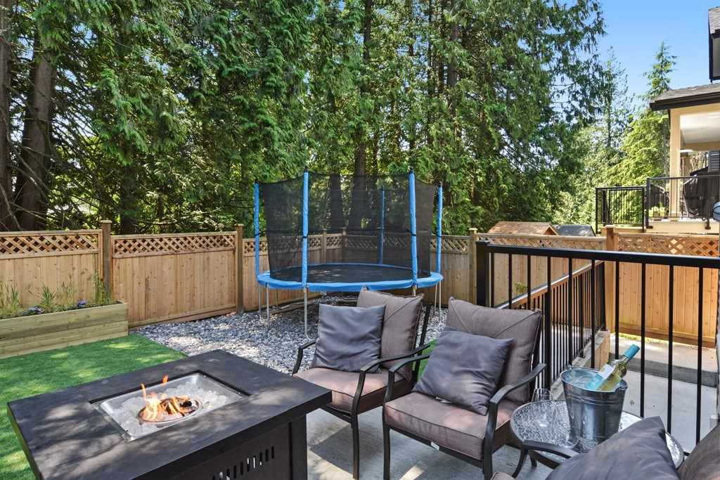 Detached at 24680 100A AVENUE, Maple Ridge, British Columbia. Image 20
