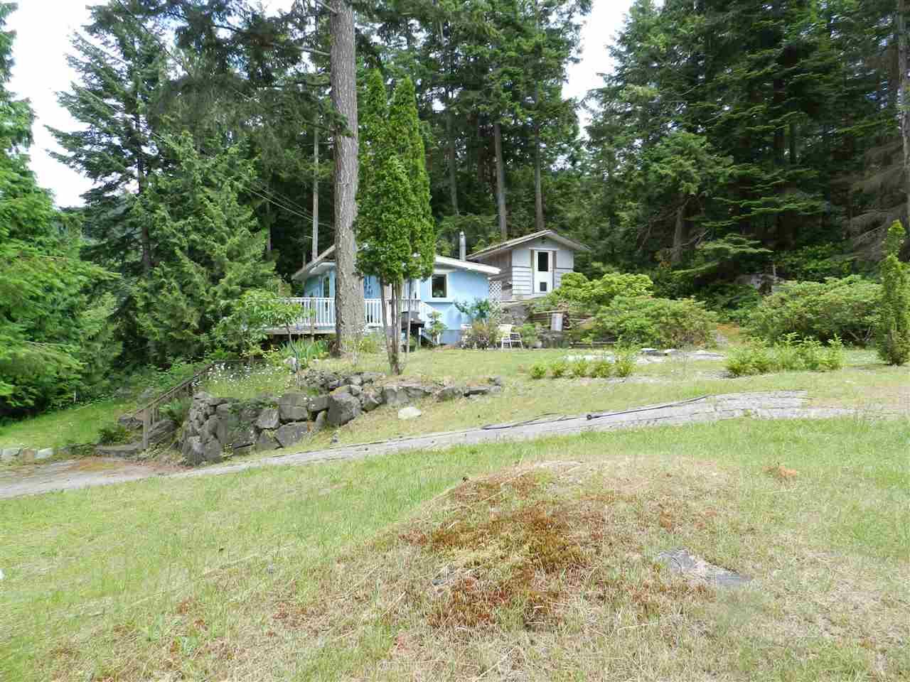 Detached at 12692 LAGOON ROAD, Sunshine Coast, British Columbia. Image 13
