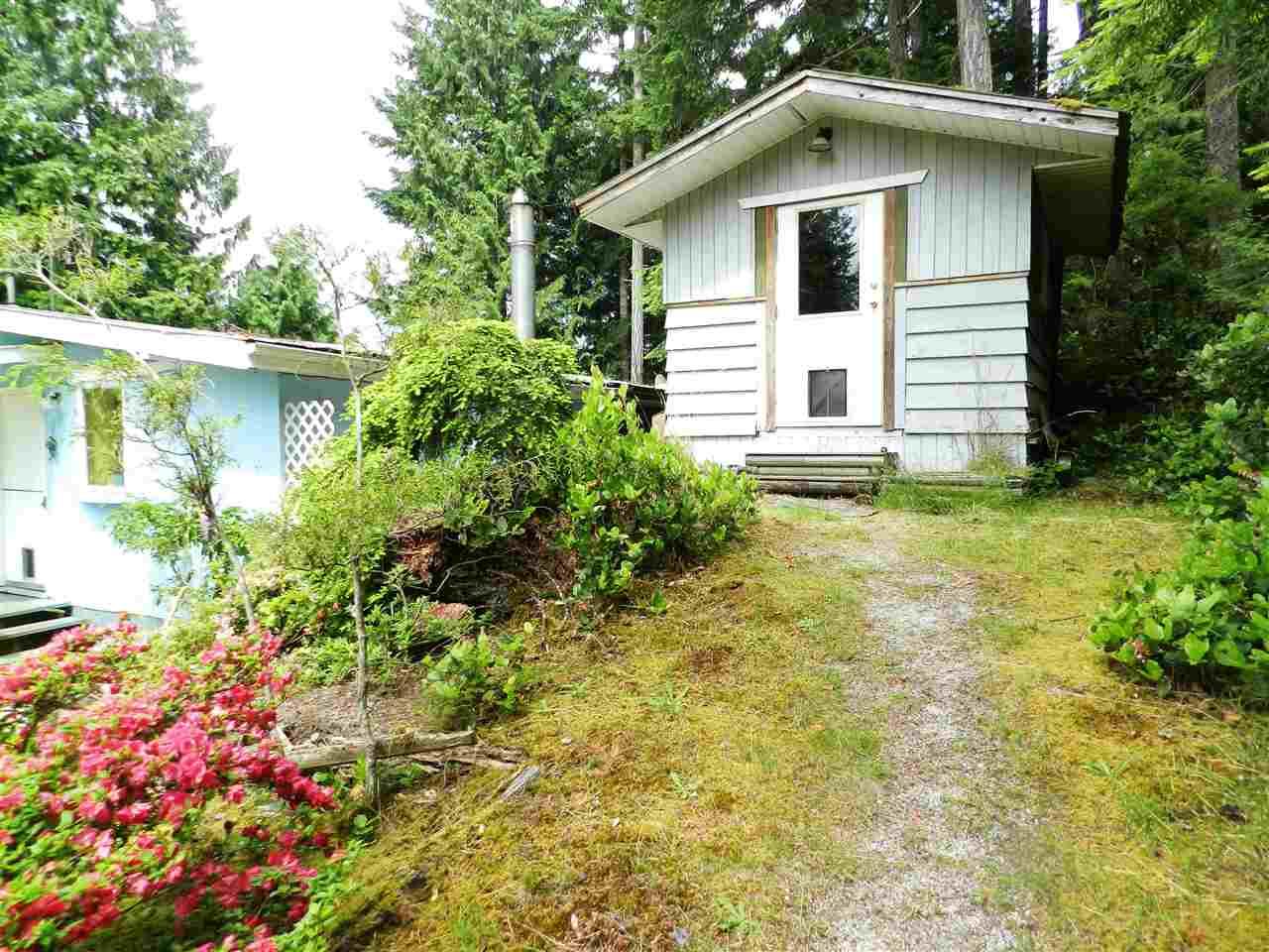 Detached at 12692 LAGOON ROAD, Sunshine Coast, British Columbia. Image 15