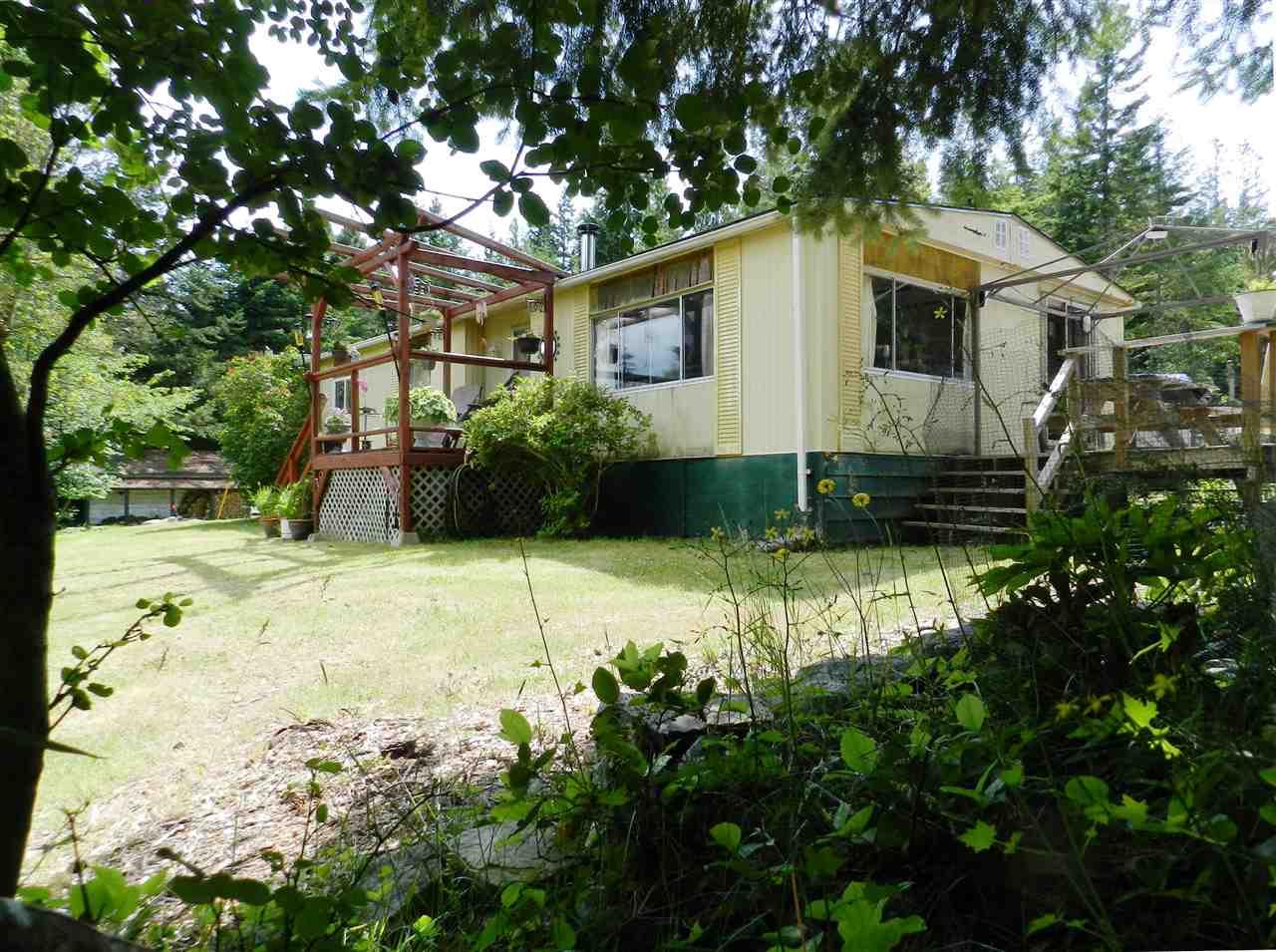 Detached at 4979 FRANCIS PENINSULA ROAD, Sunshine Coast, British Columbia. Image 1