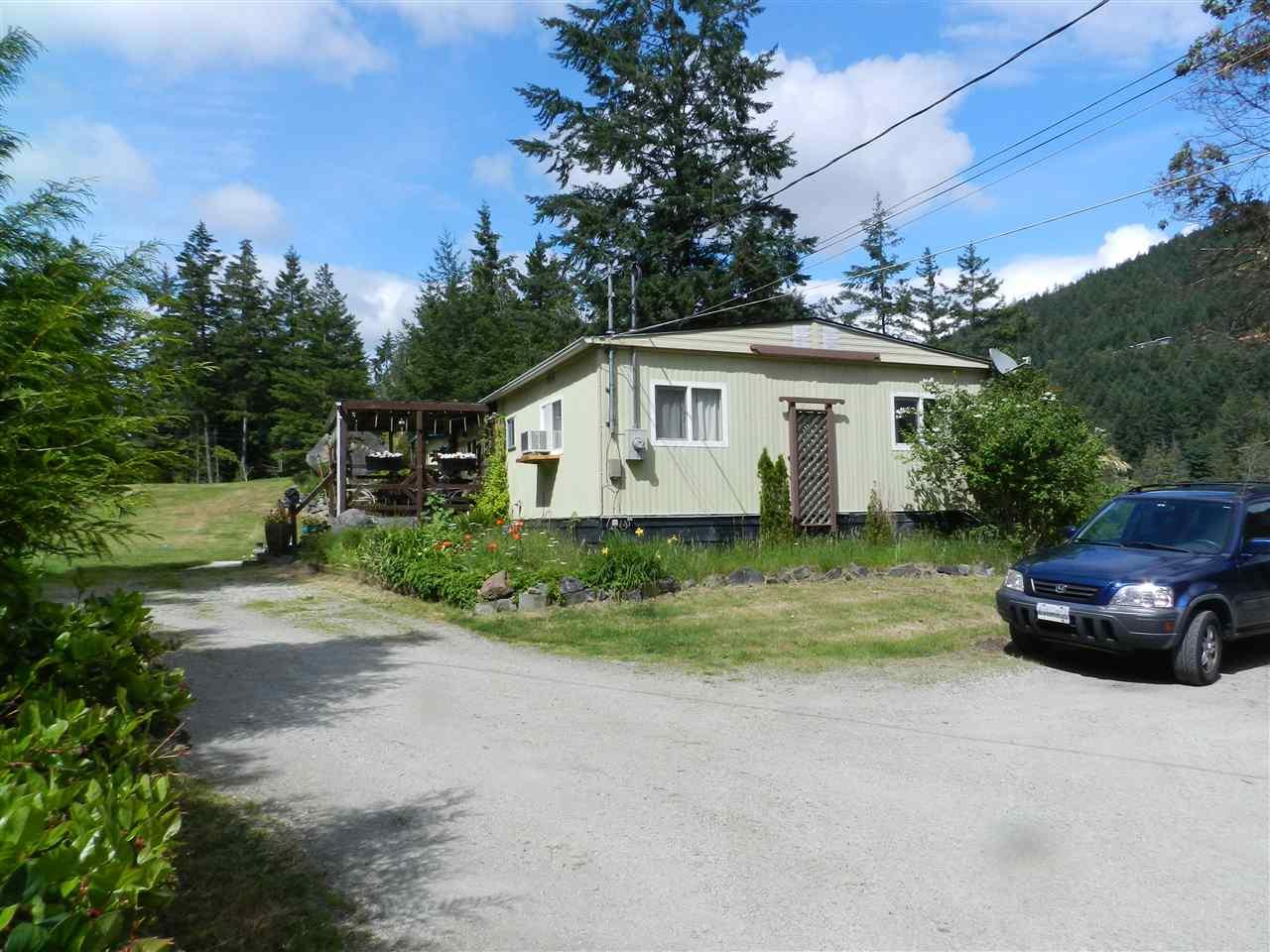 Detached at 4979 FRANCIS PENINSULA ROAD, Sunshine Coast, British Columbia. Image 2