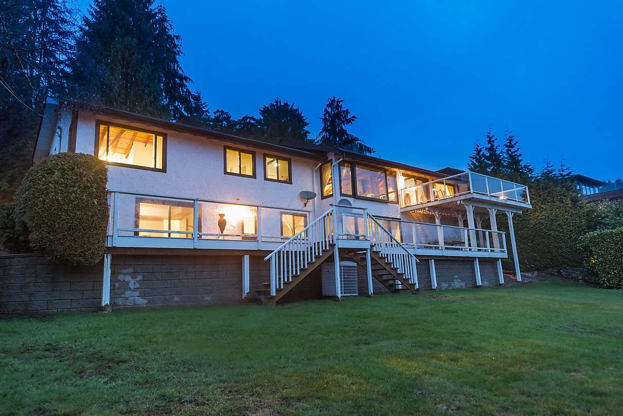 Detached at 1033 MILLSTREAM ROAD, West Vancouver, British Columbia. Image 4
