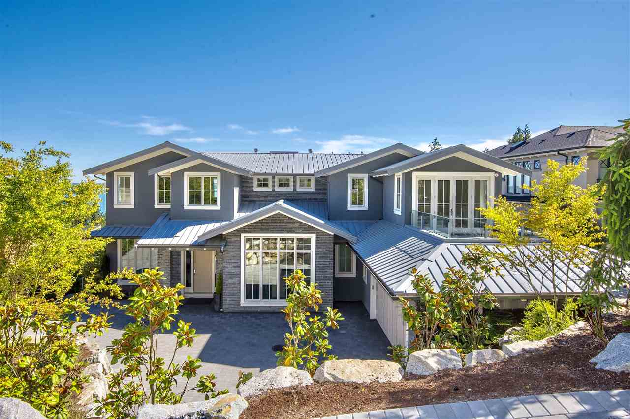 Detached at 3324 WESTMOUNT ROAD, West Vancouver, British Columbia. Image 1