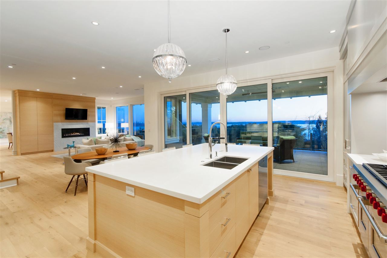 Detached at 3324 WESTMOUNT ROAD, West Vancouver, British Columbia. Image 10