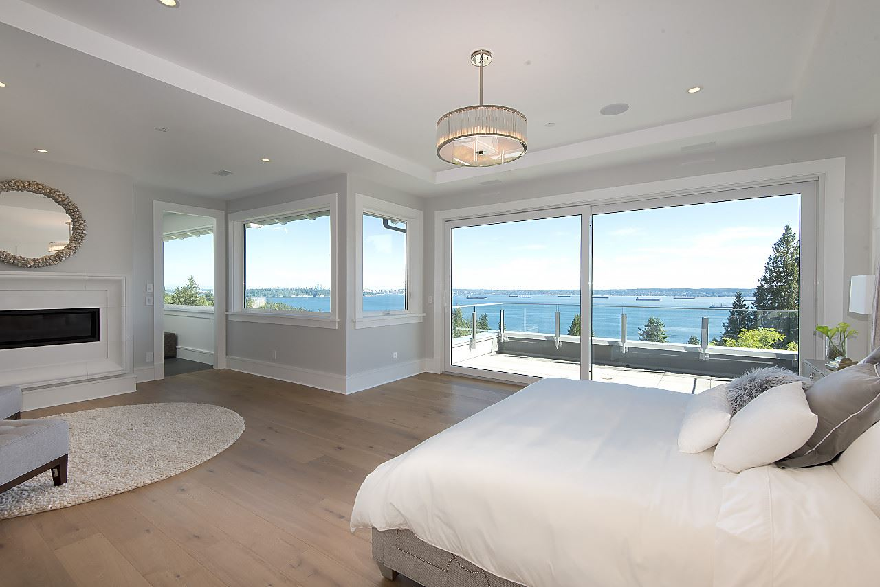 Detached at 3324 WESTMOUNT ROAD, West Vancouver, British Columbia. Image 13