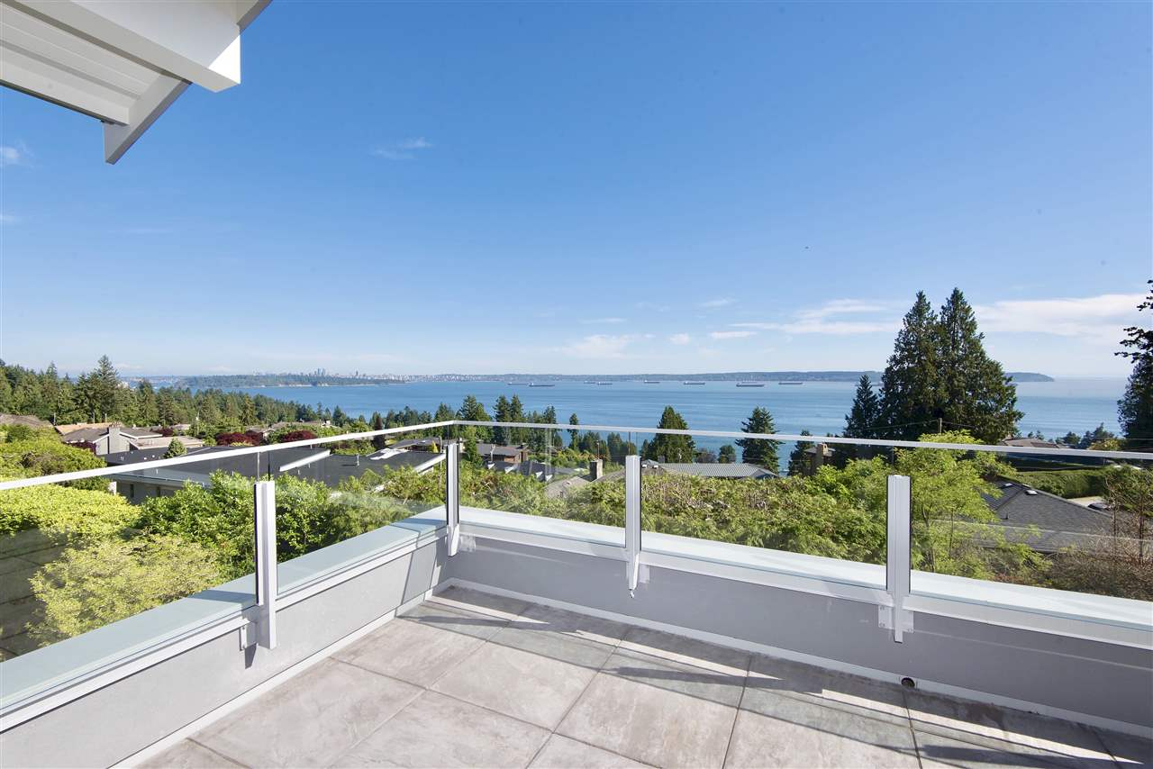 Detached at 3324 WESTMOUNT ROAD, West Vancouver, British Columbia. Image 17