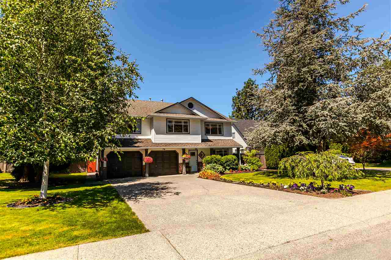 Detached at 5187 219A STREET, Langley, British Columbia. Image 1