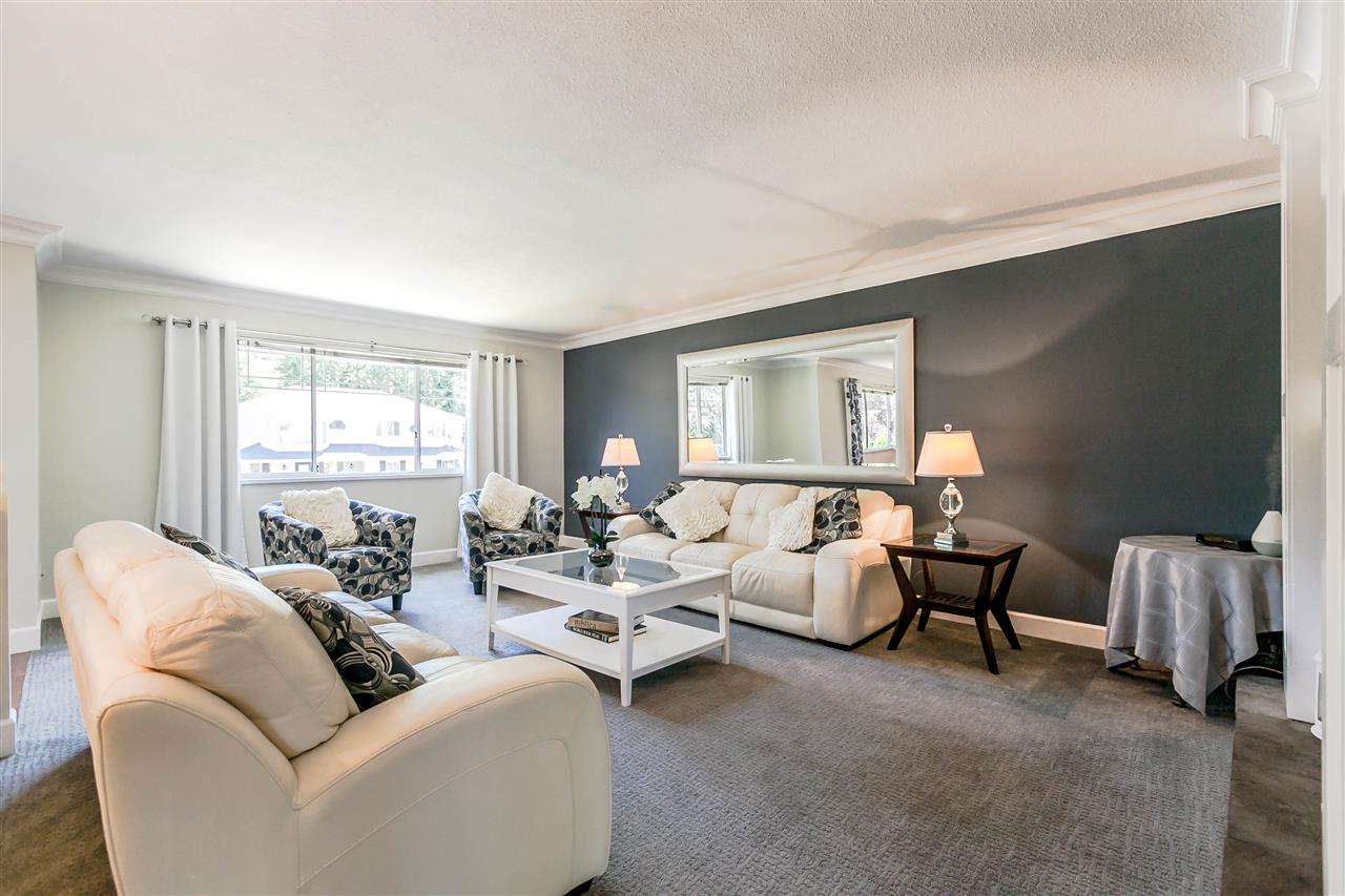Detached at 5187 219A STREET, Langley, British Columbia. Image 3