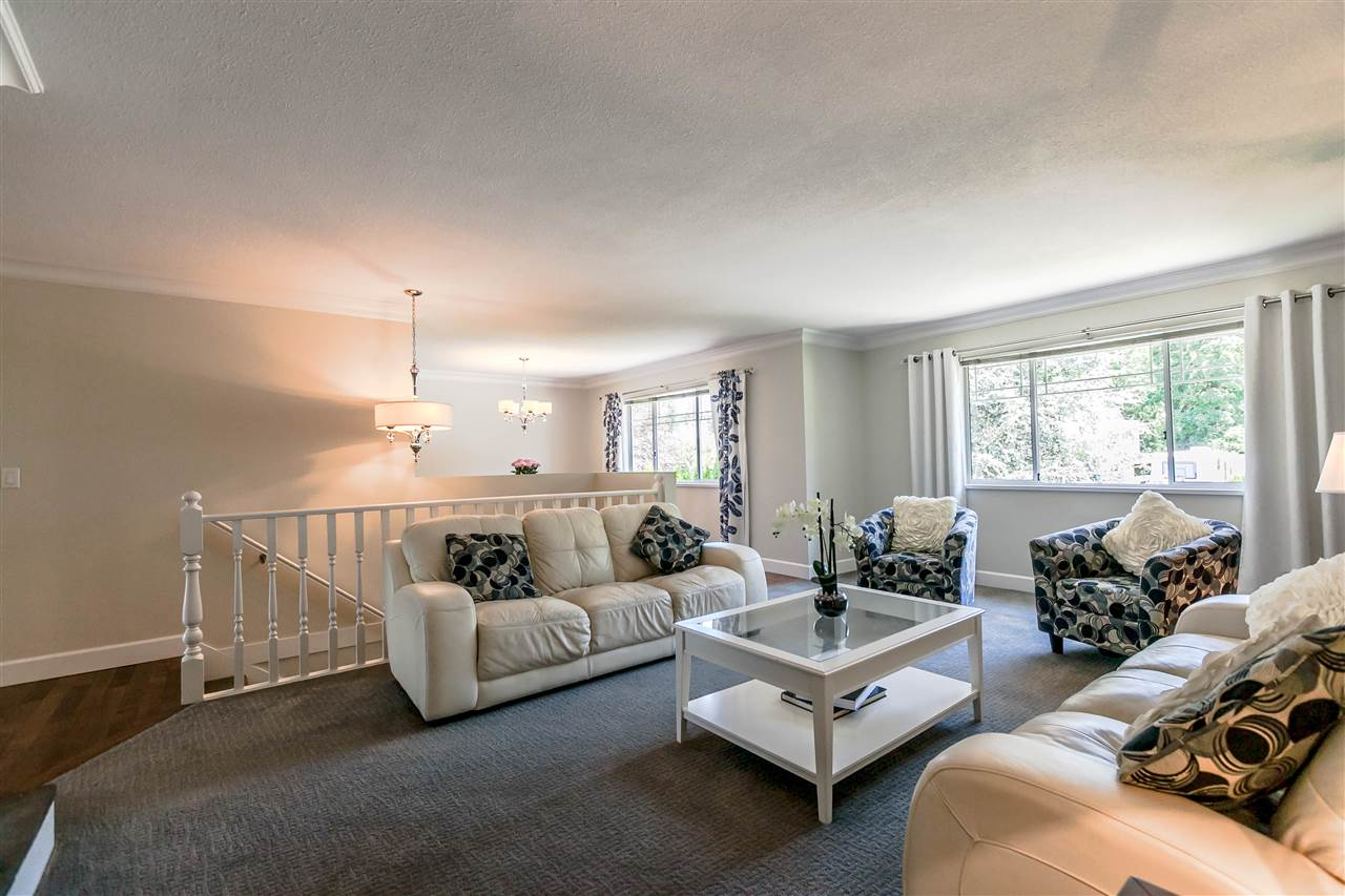 Detached at 5187 219A STREET, Langley, British Columbia. Image 4