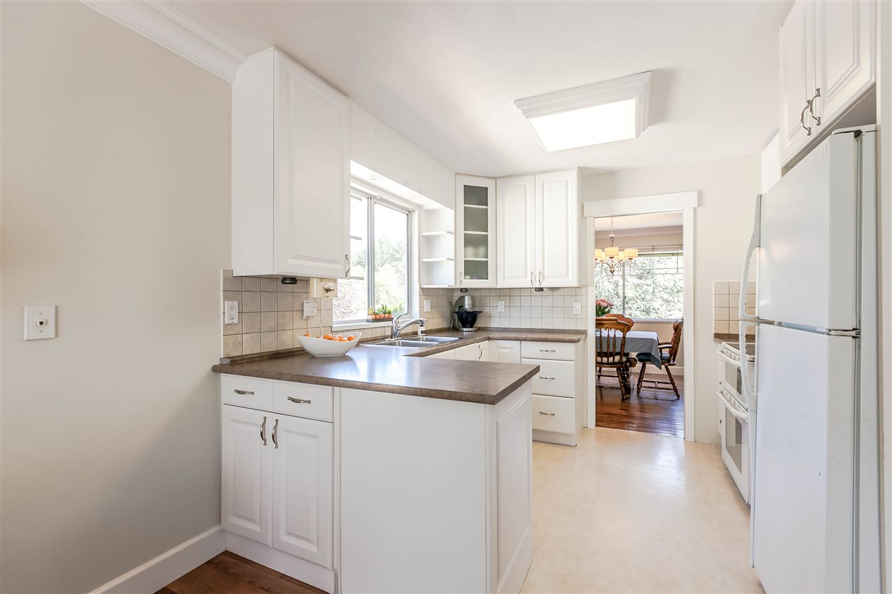 Detached at 5187 219A STREET, Langley, British Columbia. Image 6
