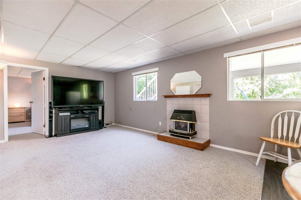 Detached at 5187 219A STREET, Langley, British Columbia. Image 13