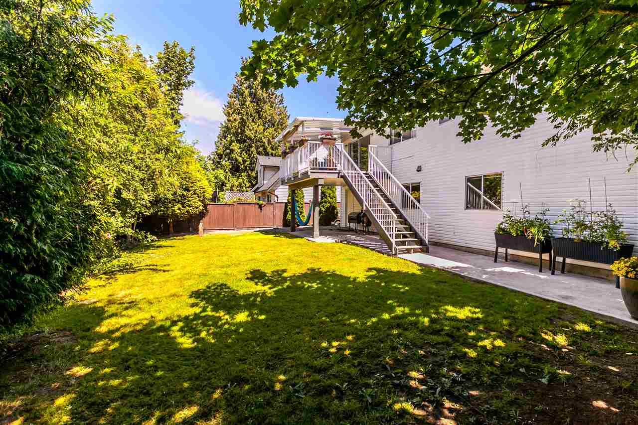 Detached at 5187 219A STREET, Langley, British Columbia. Image 18