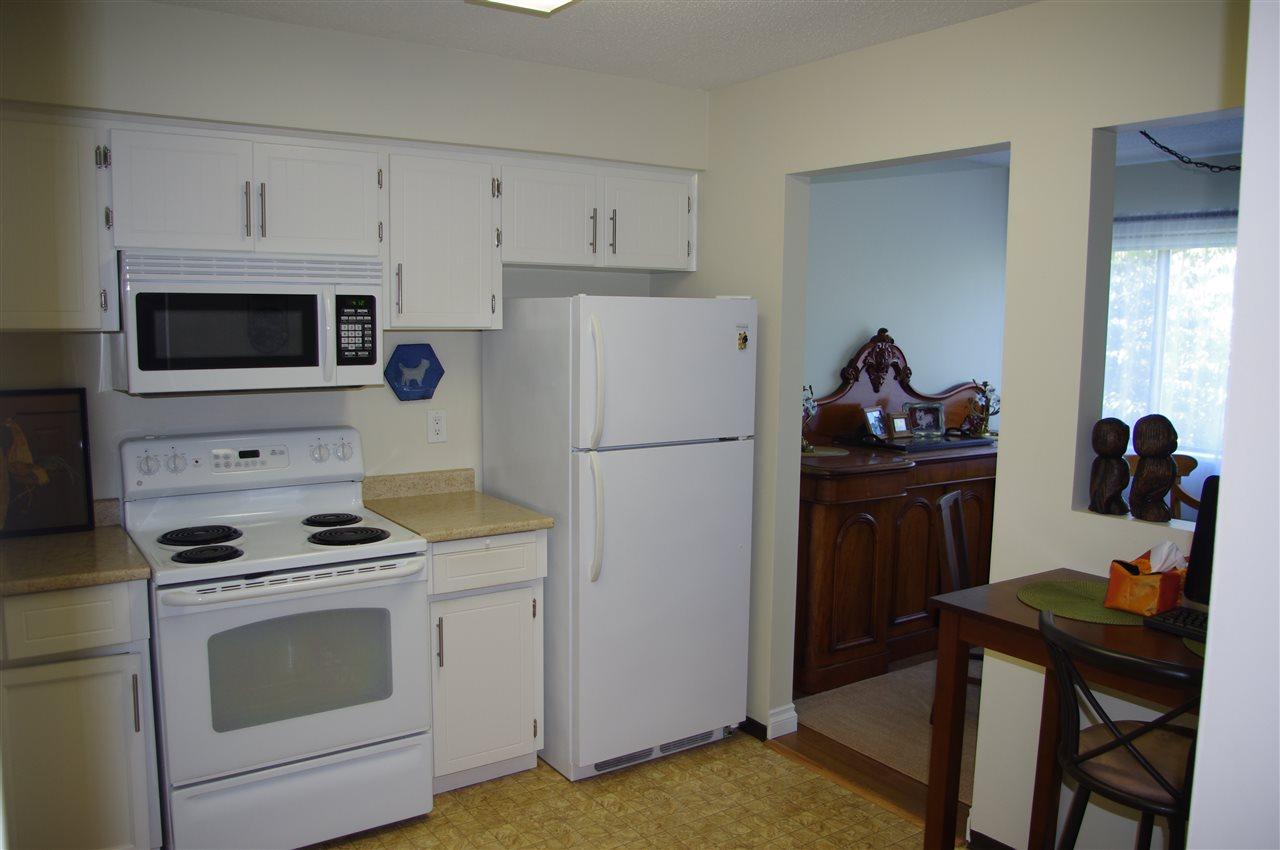 Condo Apartment at 201 15290 THRIFT AVENUE, Unit 201, South Surrey White Rock, British Columbia. Image 5