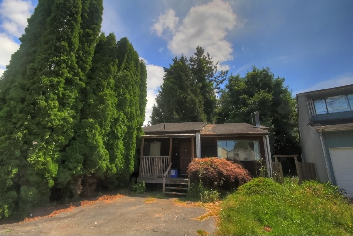 Detached at 7276 129A STREET, Surrey, British Columbia. Image 1
