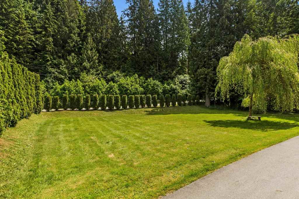 Detached at 11591 284 STREET, Maple Ridge, British Columbia. Image 2