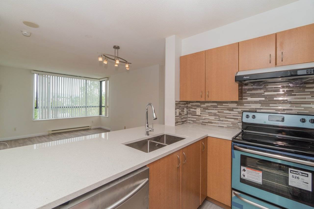 Condo Apartment at 809 5288 MELBOURNE STREET, Unit 809, Vancouver East, British Columbia. Image 4
