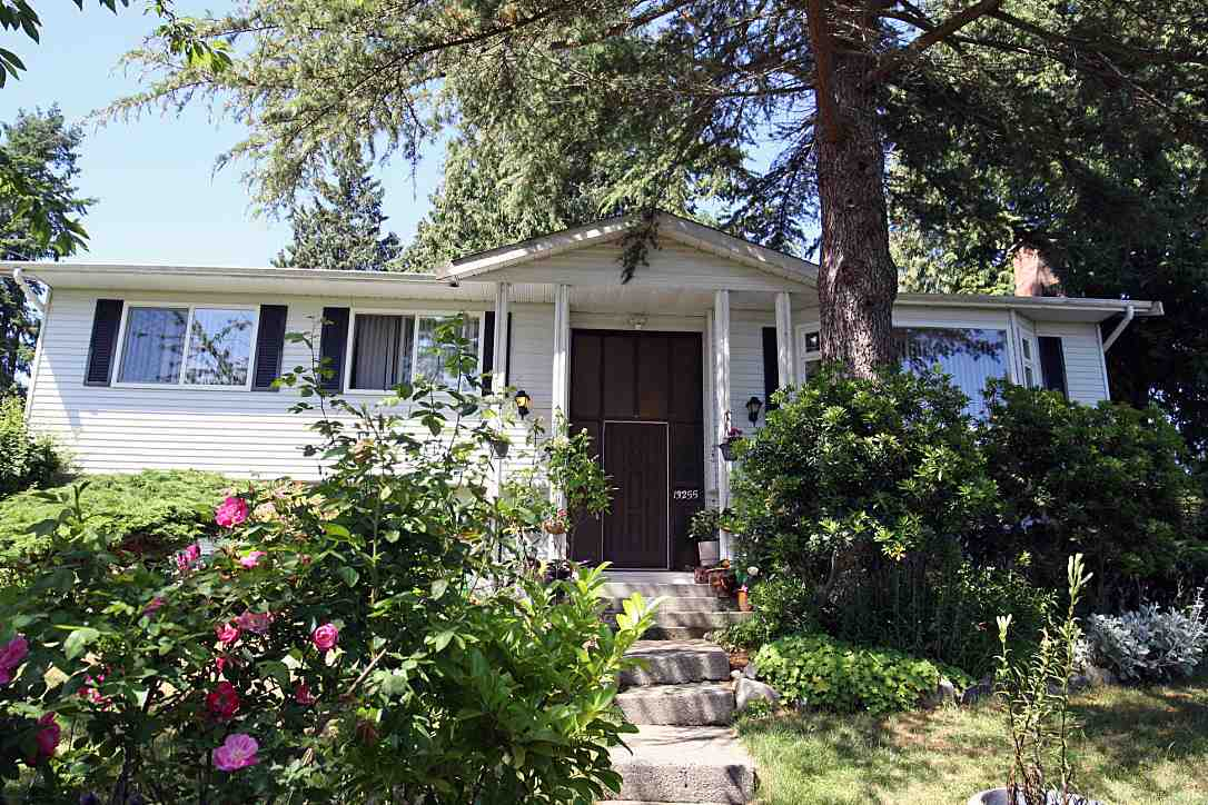 Detached at 13255 15A AVENUE, South Surrey White Rock, British Columbia. Image 1