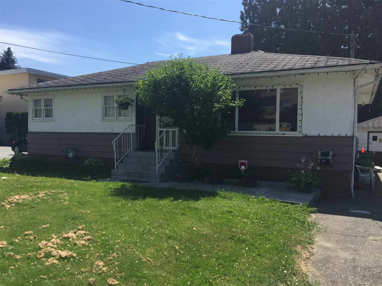 Detached at 45744 PRINCESS AVENUE, Chilliwack, British Columbia. Image 1