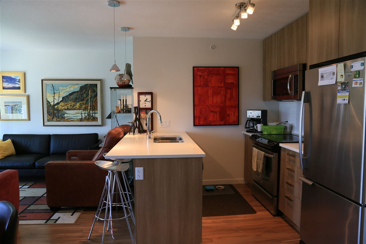 Condo Apartment at 1208 13325 102A AVENUE, Unit 1208, North Surrey, British Columbia. Image 4