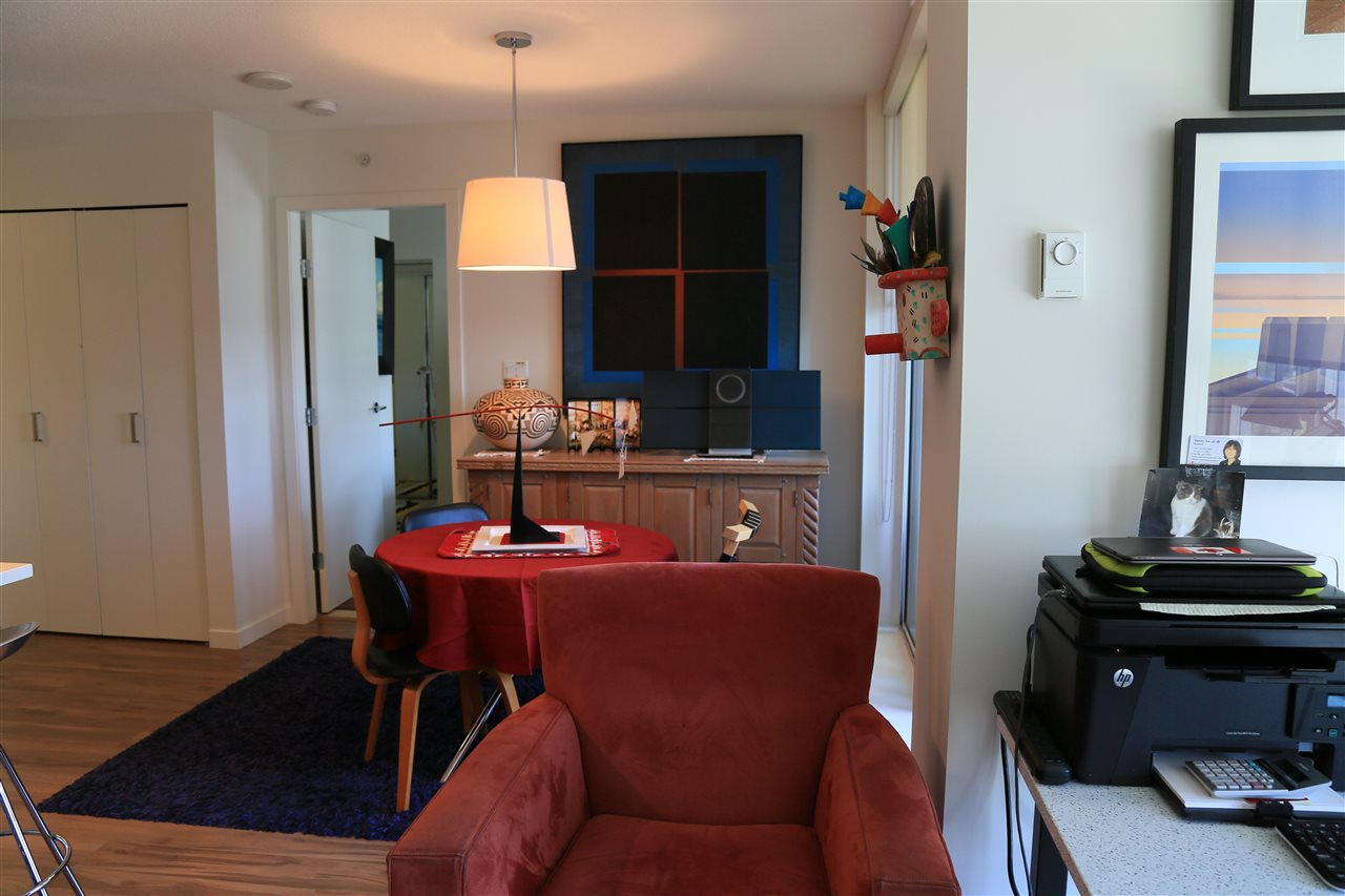 Condo Apartment at 1208 13325 102A AVENUE, Unit 1208, North Surrey, British Columbia. Image 6
