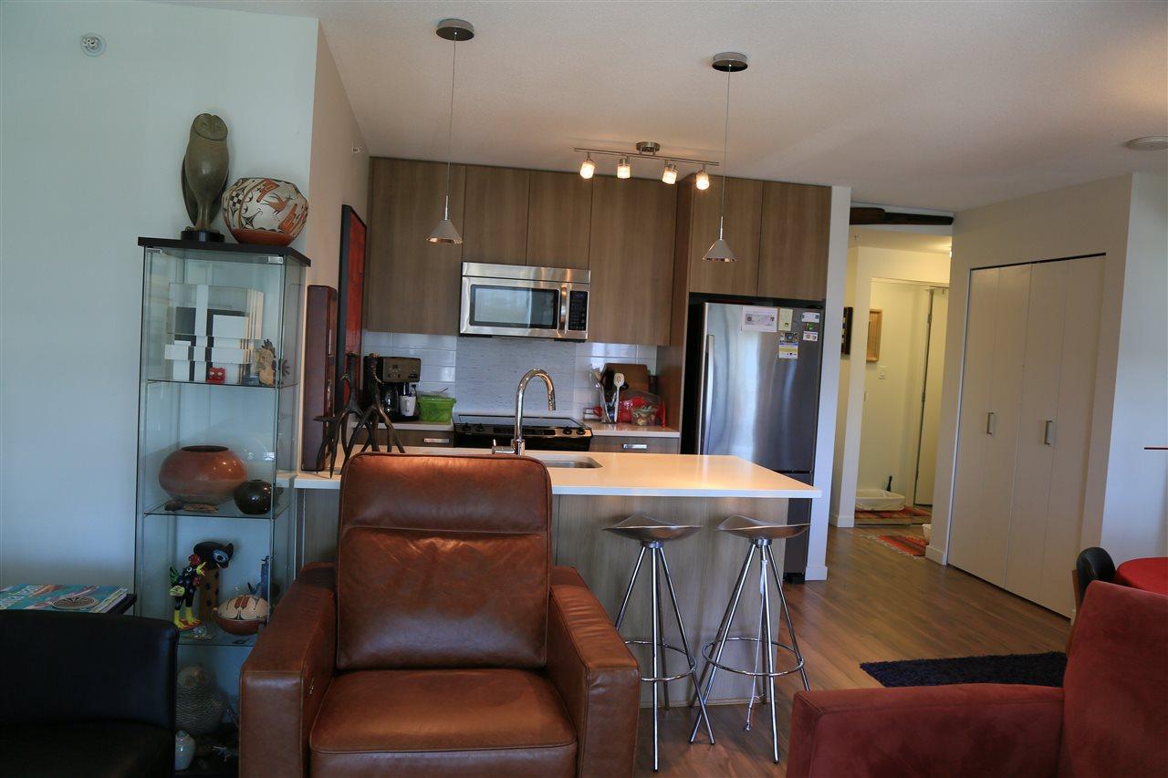 Condo Apartment at 1208 13325 102A AVENUE, Unit 1208, North Surrey, British Columbia. Image 7