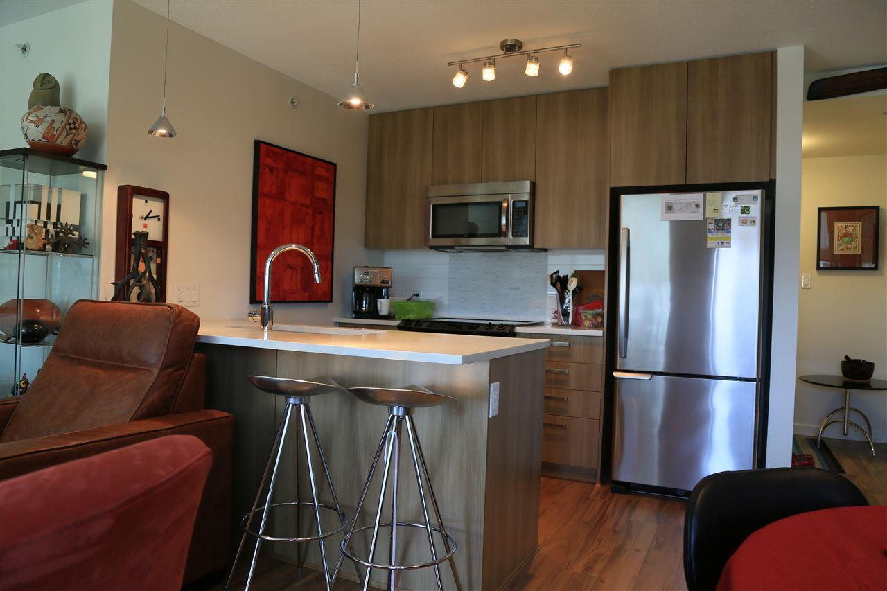 Condo Apartment at 1208 13325 102A AVENUE, Unit 1208, North Surrey, British Columbia. Image 14