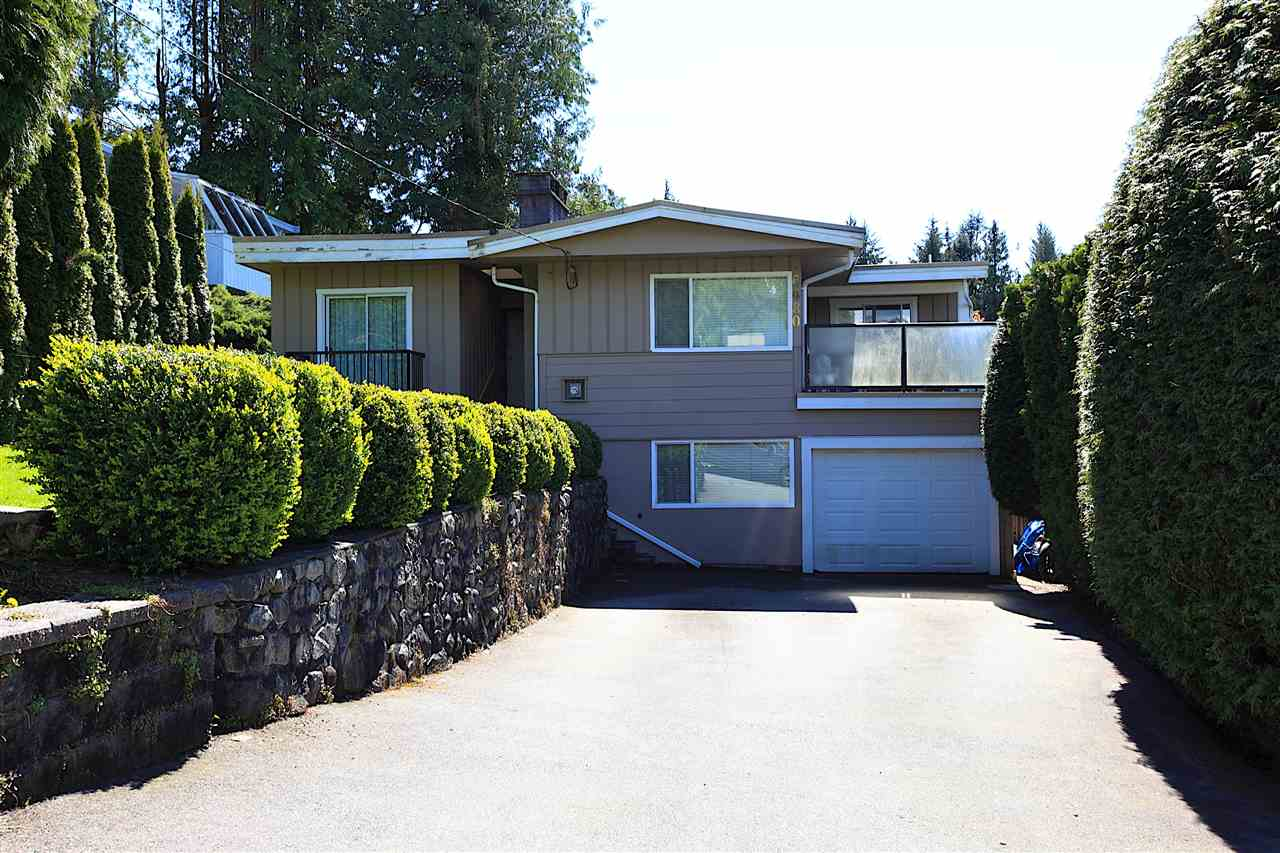 Detached at 6480 FOX STREET, West Vancouver, British Columbia. Image 1