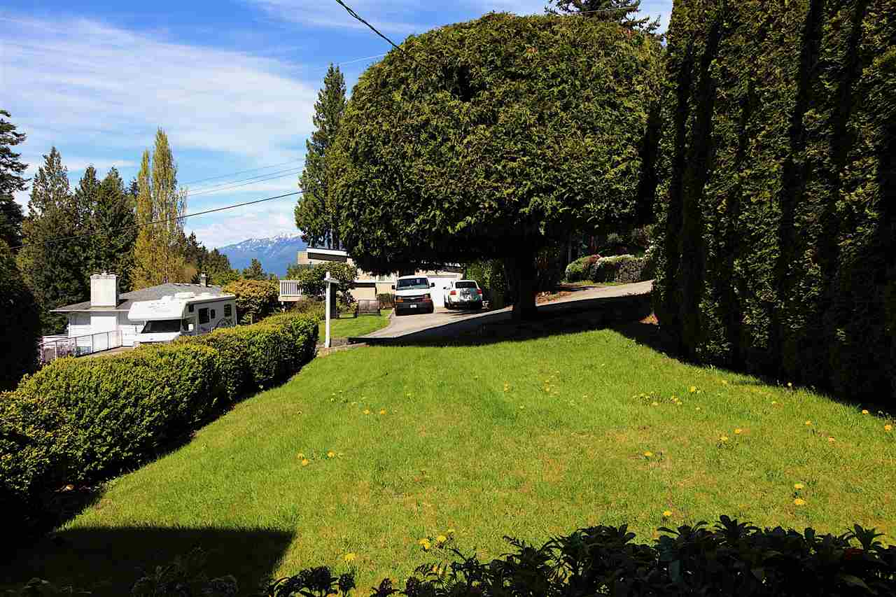 Detached at 6480 FOX STREET, West Vancouver, British Columbia. Image 12