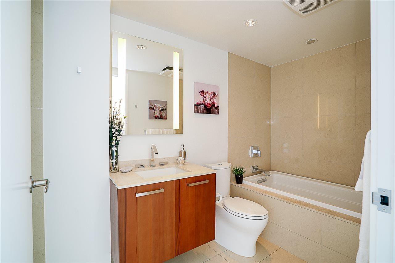Condo Apartment at 701 1565 W 6TH AVENUE, Unit 701, Vancouver West, British Columbia. Image 12