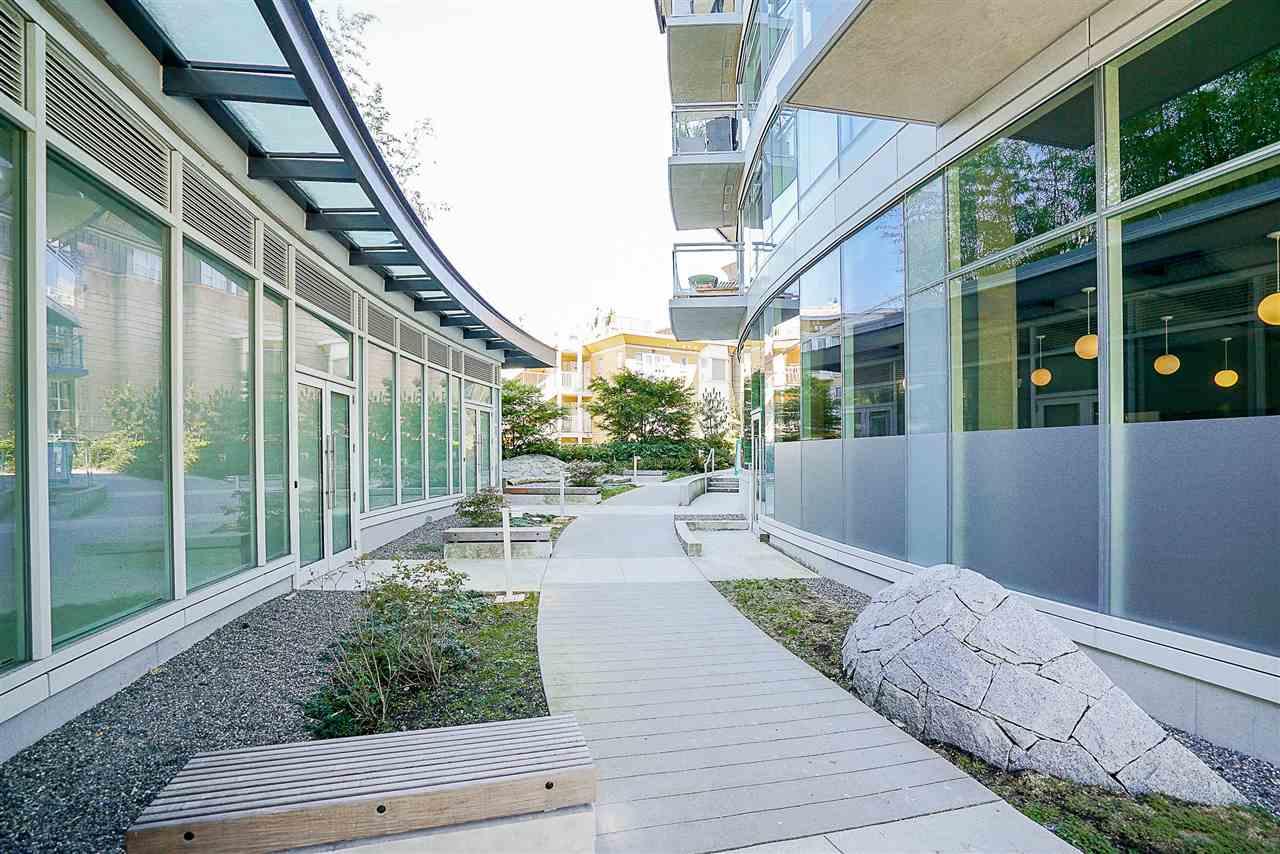 Condo Apartment at 701 1565 W 6TH AVENUE, Unit 701, Vancouver West, British Columbia. Image 18
