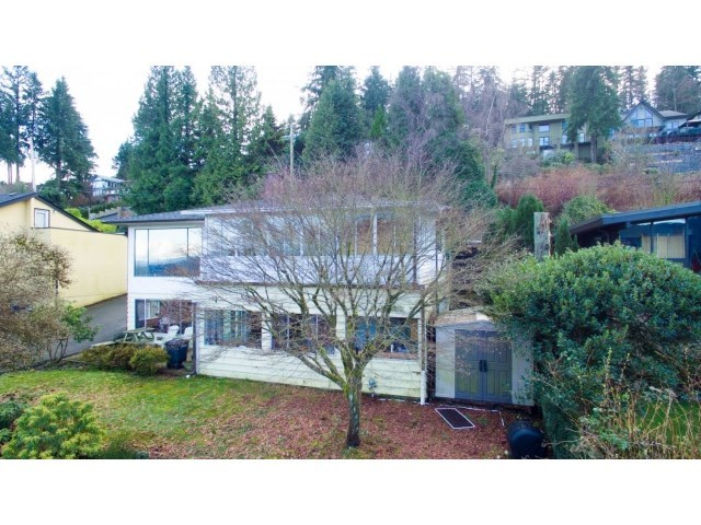 Detached at 5645 HIGHFIELD DRIVE, Burnaby North, British Columbia. Image 4