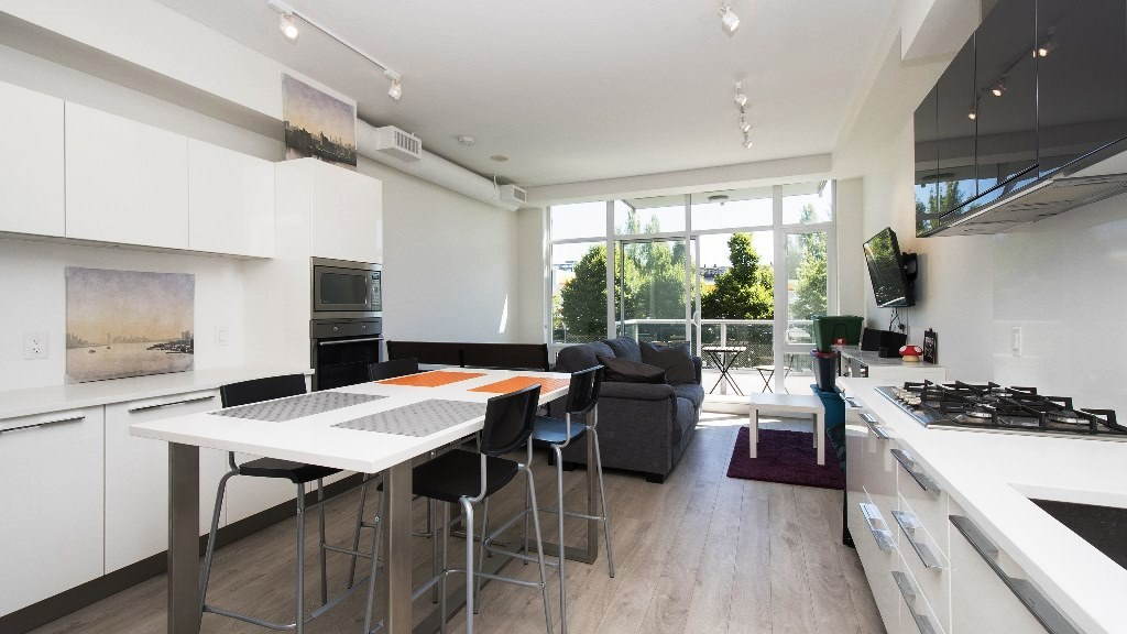 Condo Apartment at 218 108 E 1ST AVENUE, Unit 218, Vancouver East, British Columbia. Image 5