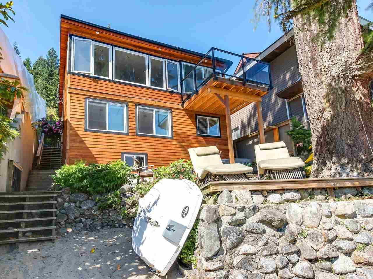 Detached at 2730 PANORAMA DRIVE, North Vancouver, British Columbia. Image 2