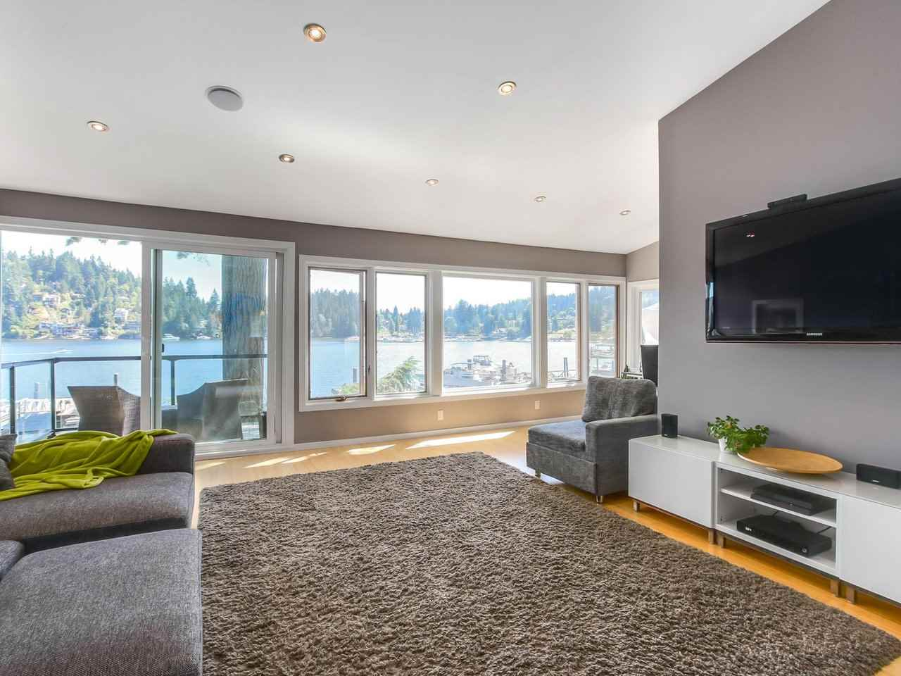 Detached at 2730 PANORAMA DRIVE, North Vancouver, British Columbia. Image 3