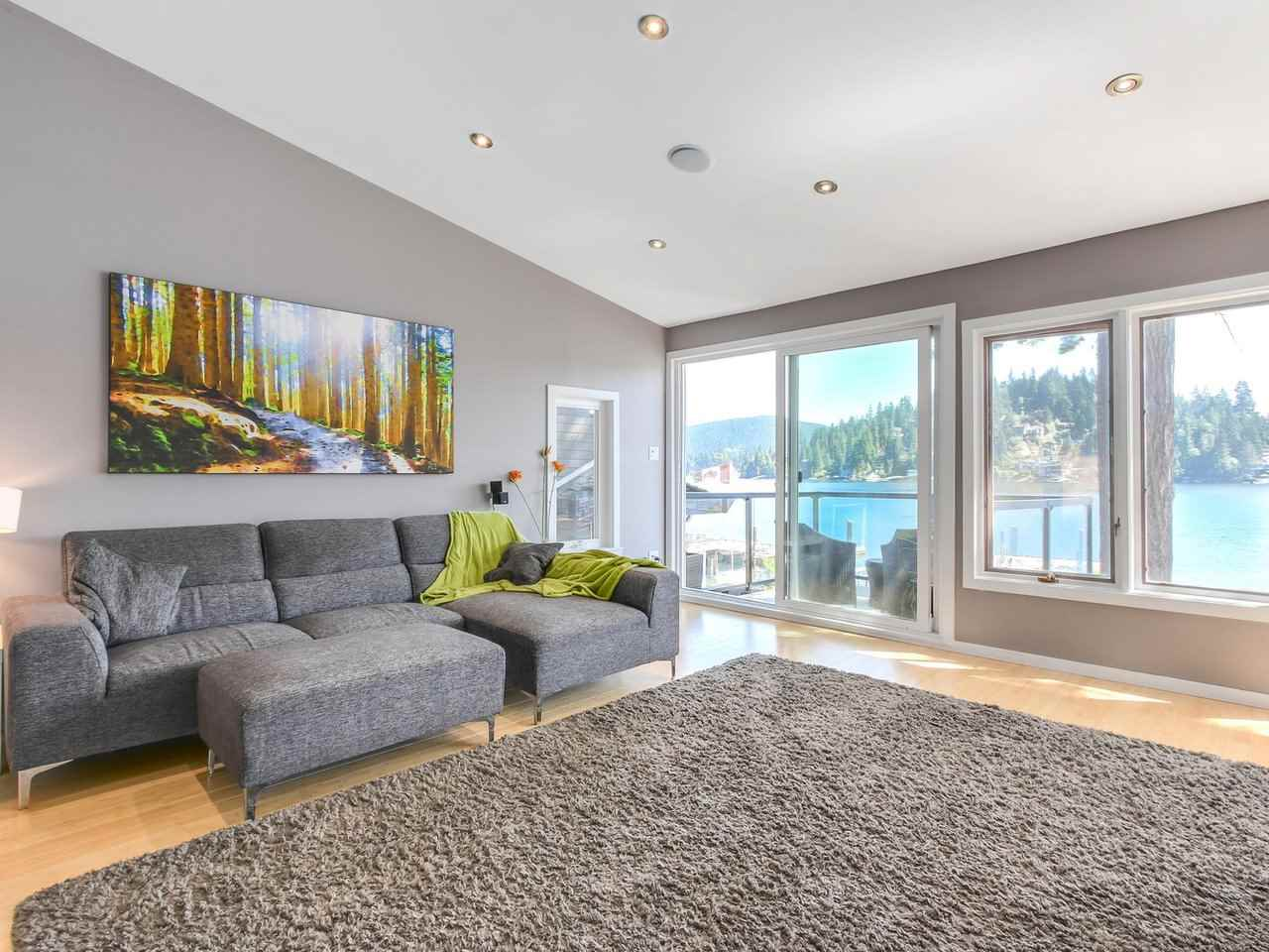 Detached at 2730 PANORAMA DRIVE, North Vancouver, British Columbia. Image 5