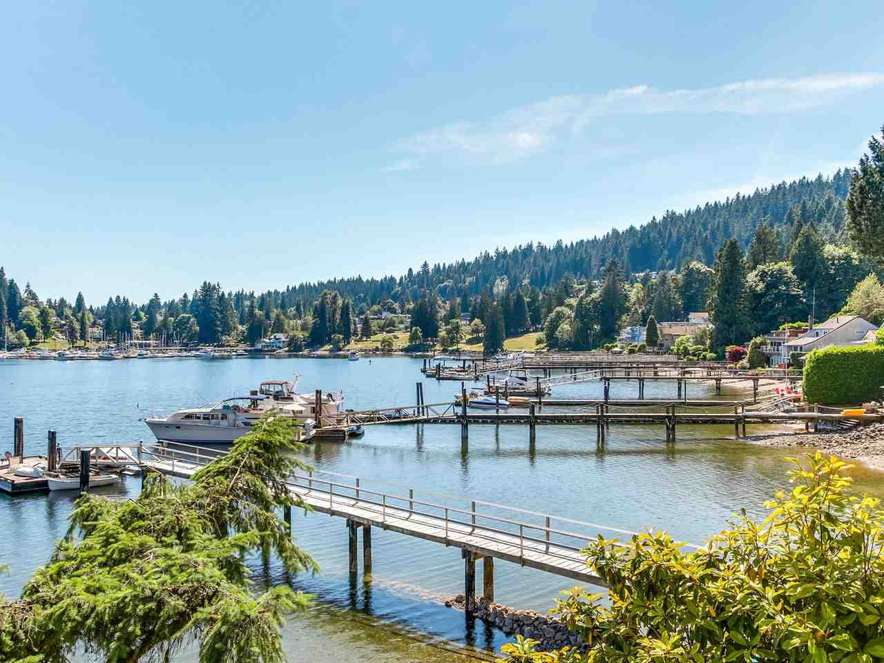 Detached at 2730 PANORAMA DRIVE, North Vancouver, British Columbia. Image 17