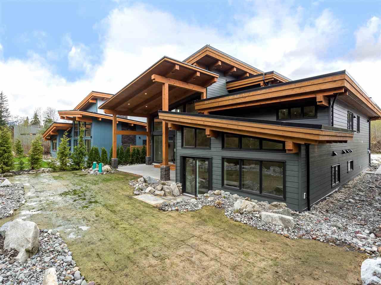 Detached at 3316 MAMQUAM ROAD, Squamish, British Columbia. Image 19