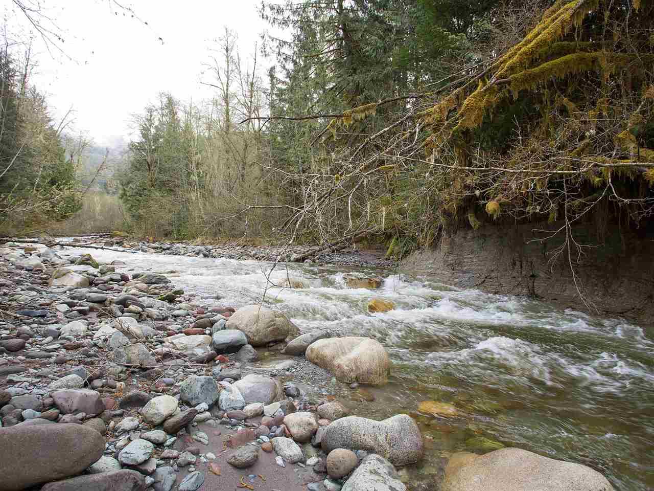 Detached at 3316 MAMQUAM ROAD, Squamish, British Columbia. Image 20