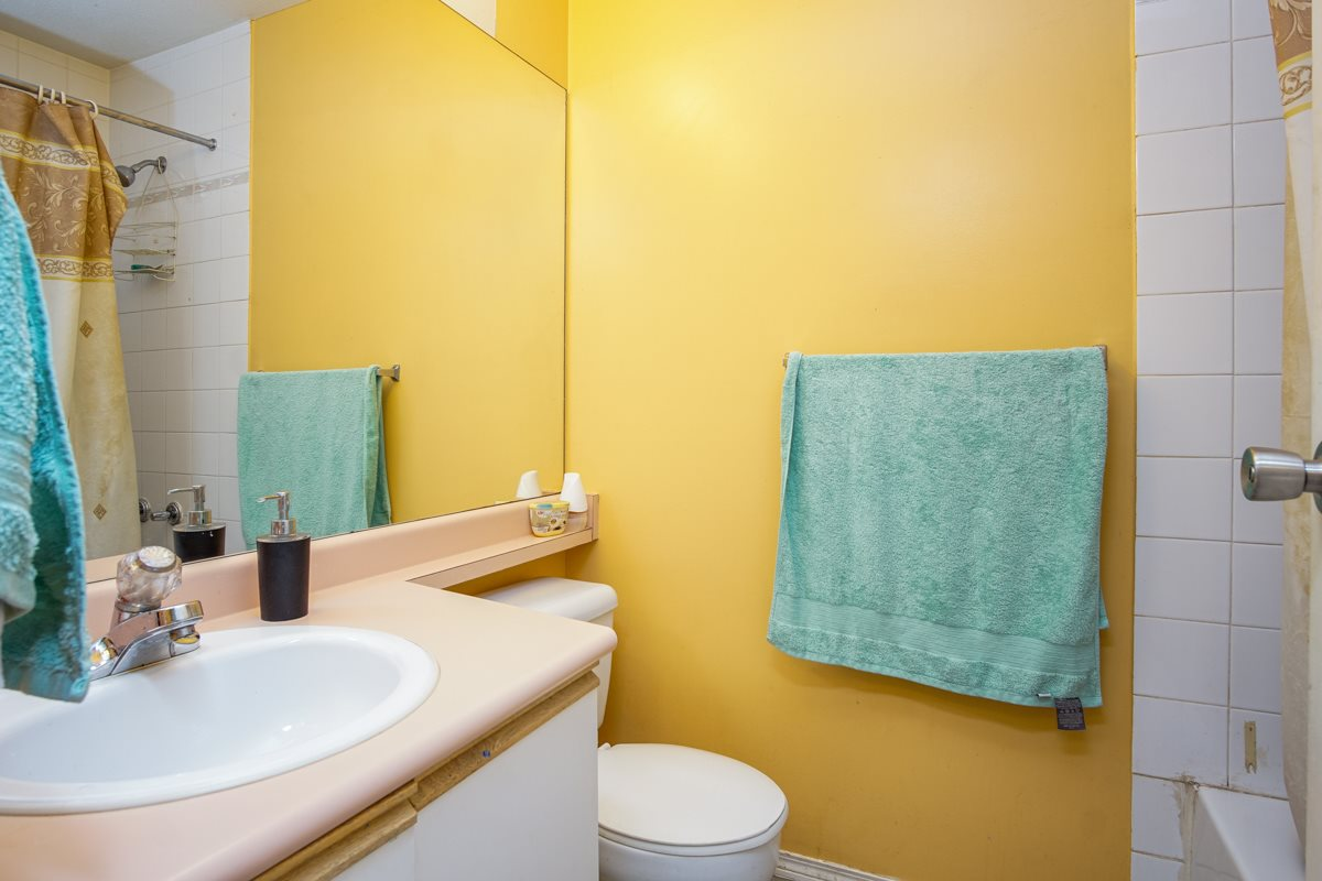 Townhouse at 18 9088 HOLT ROAD, Unit 18, Surrey, British Columbia. Image 12