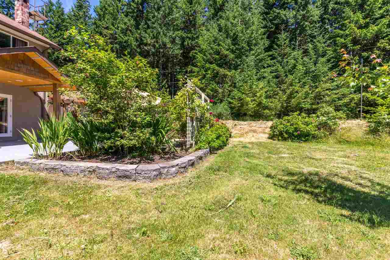 Detached at 1682 GIBB ROAD, Sunshine Coast, British Columbia. Image 6